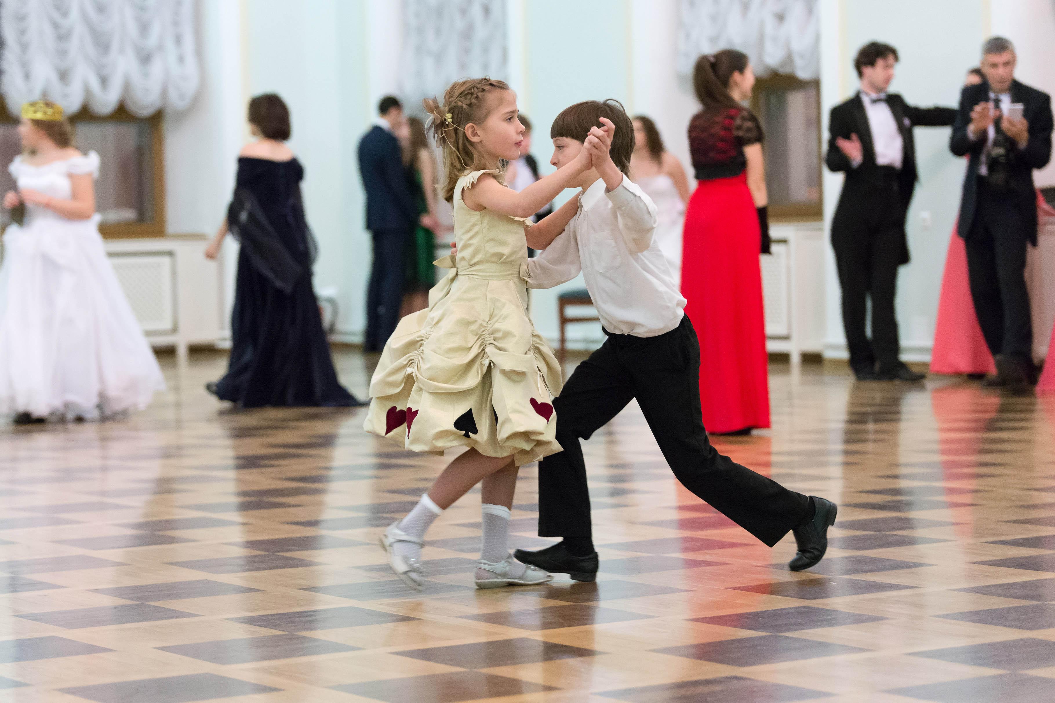 Картинки танец вальс для детей, открытки новым 2016